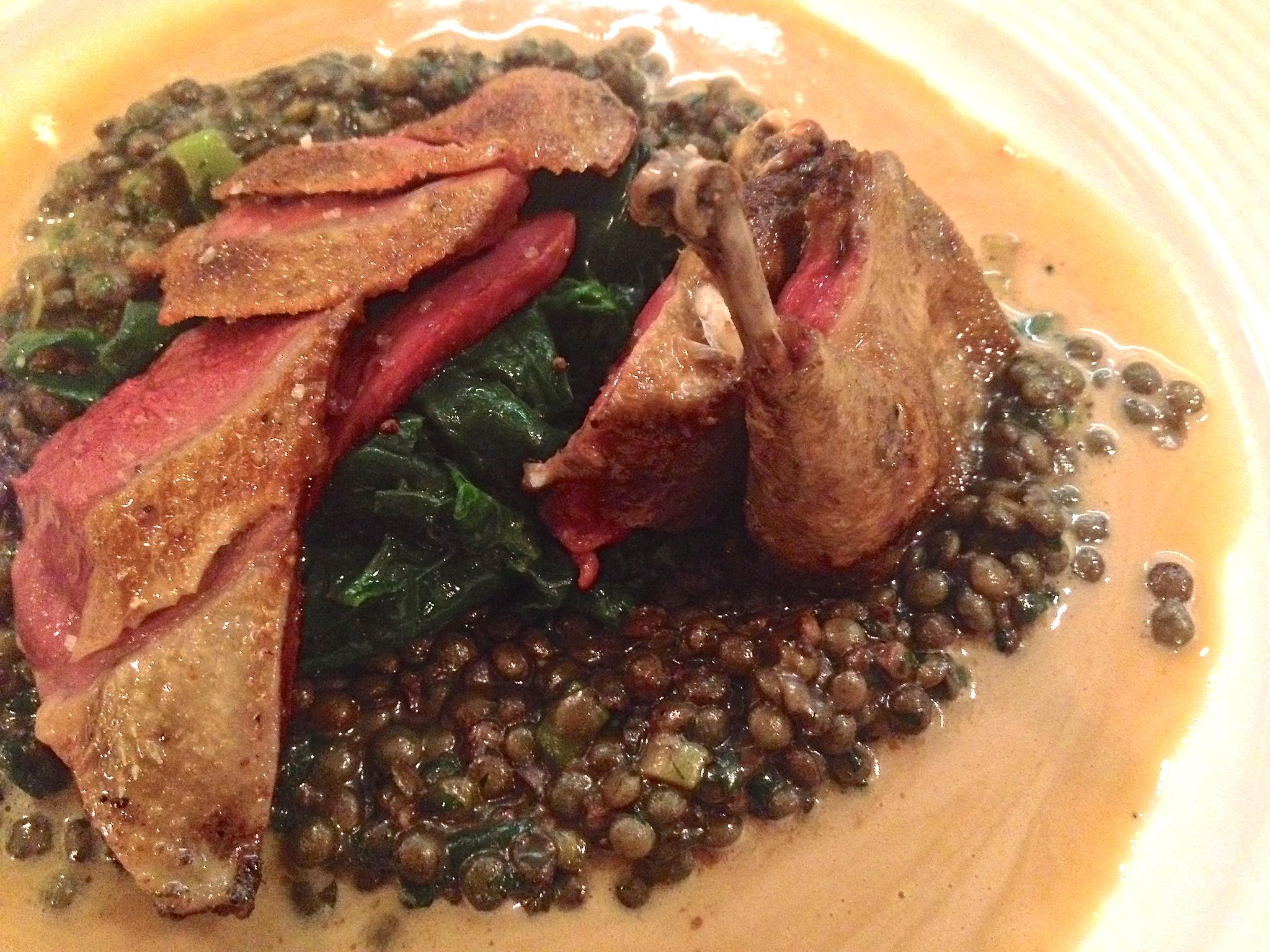 Duif op linzen en spinazie bij Rotisserie Rijsel