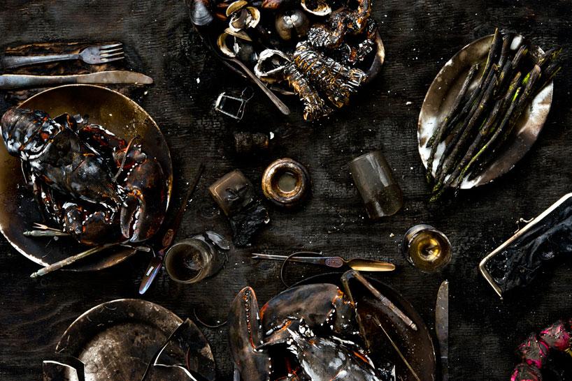 Charred - uit de serie Meals Interrupted van Davide Luciano
